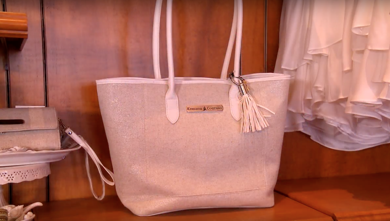 Find Mom The Perfect Gift For Mother S Day At Disney Parks