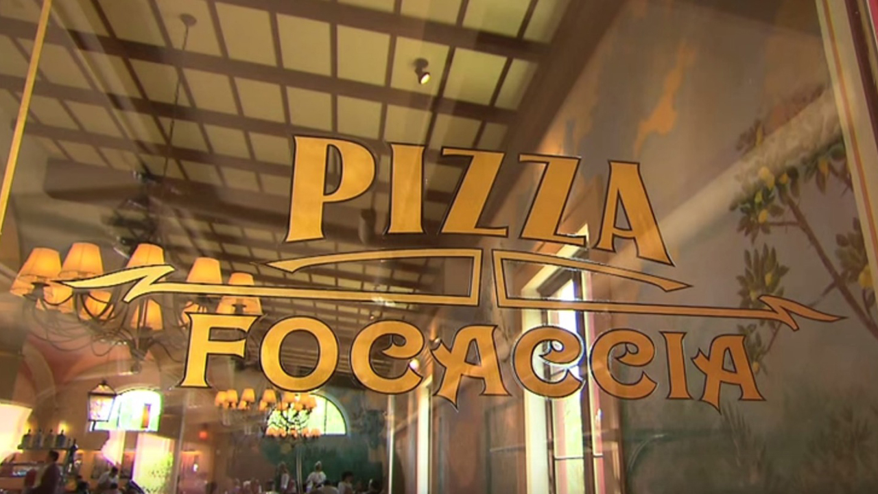 Via-Napoli-Pizza-Making---Walt-Disney-World---YouTube
