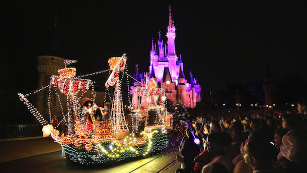 This Week in Disney Parks Photos: A Fond Farewell For Main Street Electrical Parade at Walt Disney World Resort