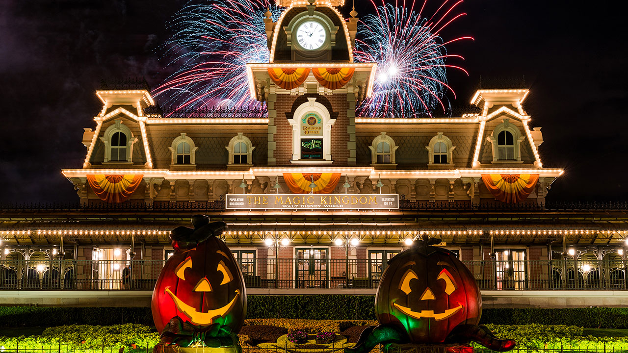 Mickey's Not-So-Scary Halloween Party Returns to Magic Kingdom ...