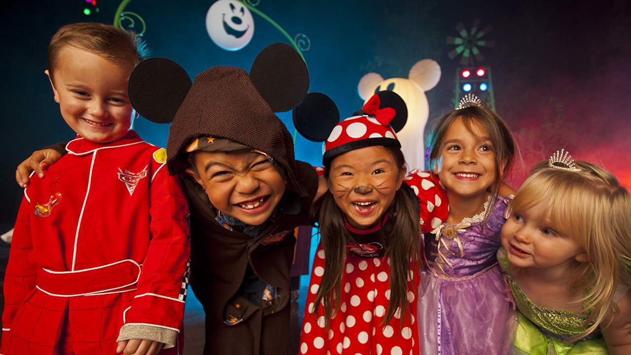 Enhance Halloween Parties at Disney Parks with Disney Floral & GIfts