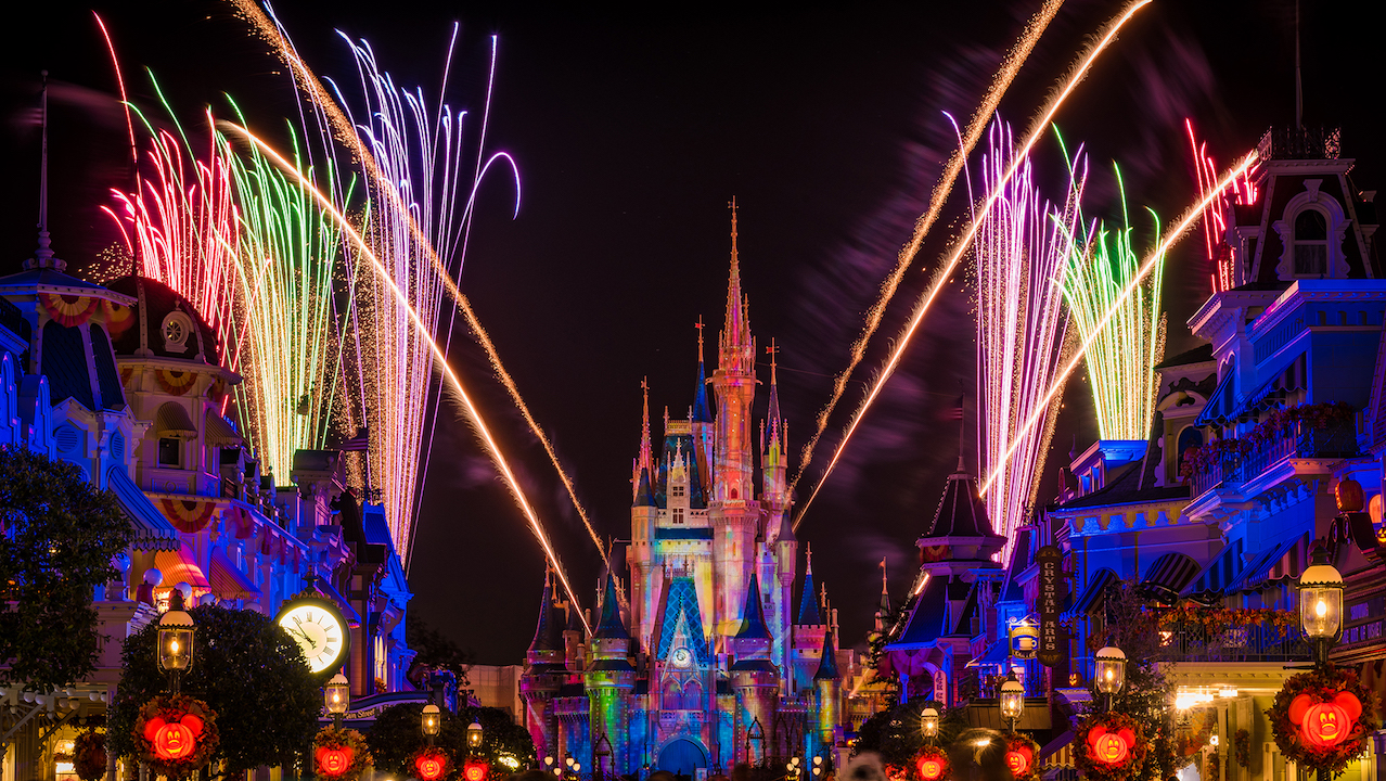 this week in disney parks photos halloween fun returns to magic kingdom park disney parks blog