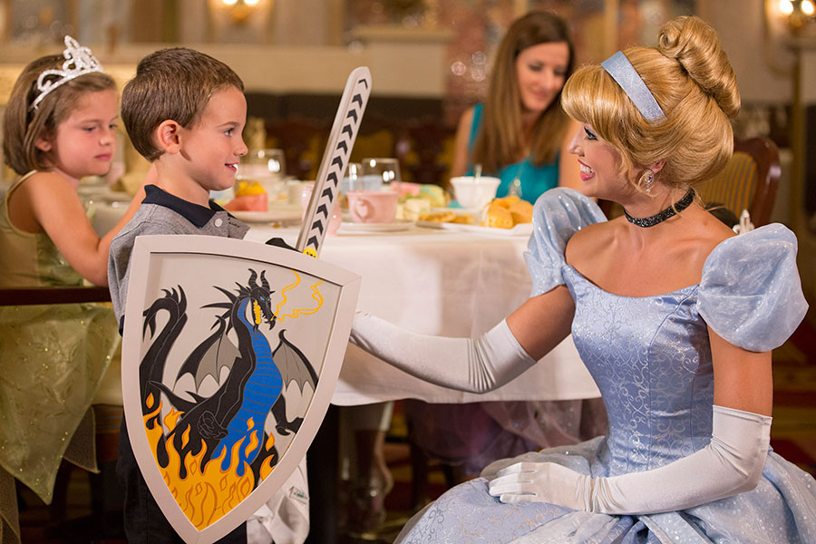 Royal court Royal Tea Party cendrillon