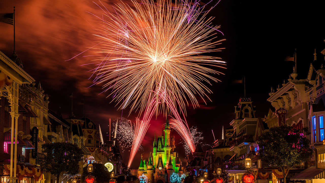 Disney Parks After Dark: Happy HalloWishes!