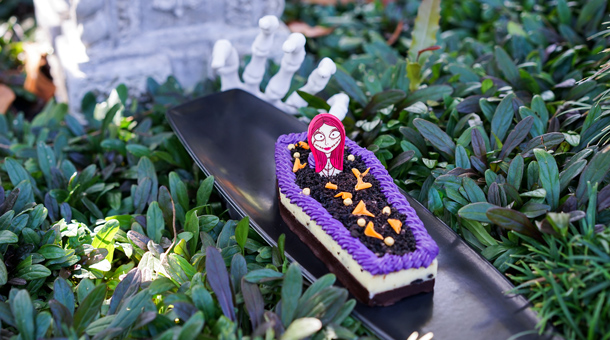Foodie Guide to Holiday Eats at Disneyland Resort