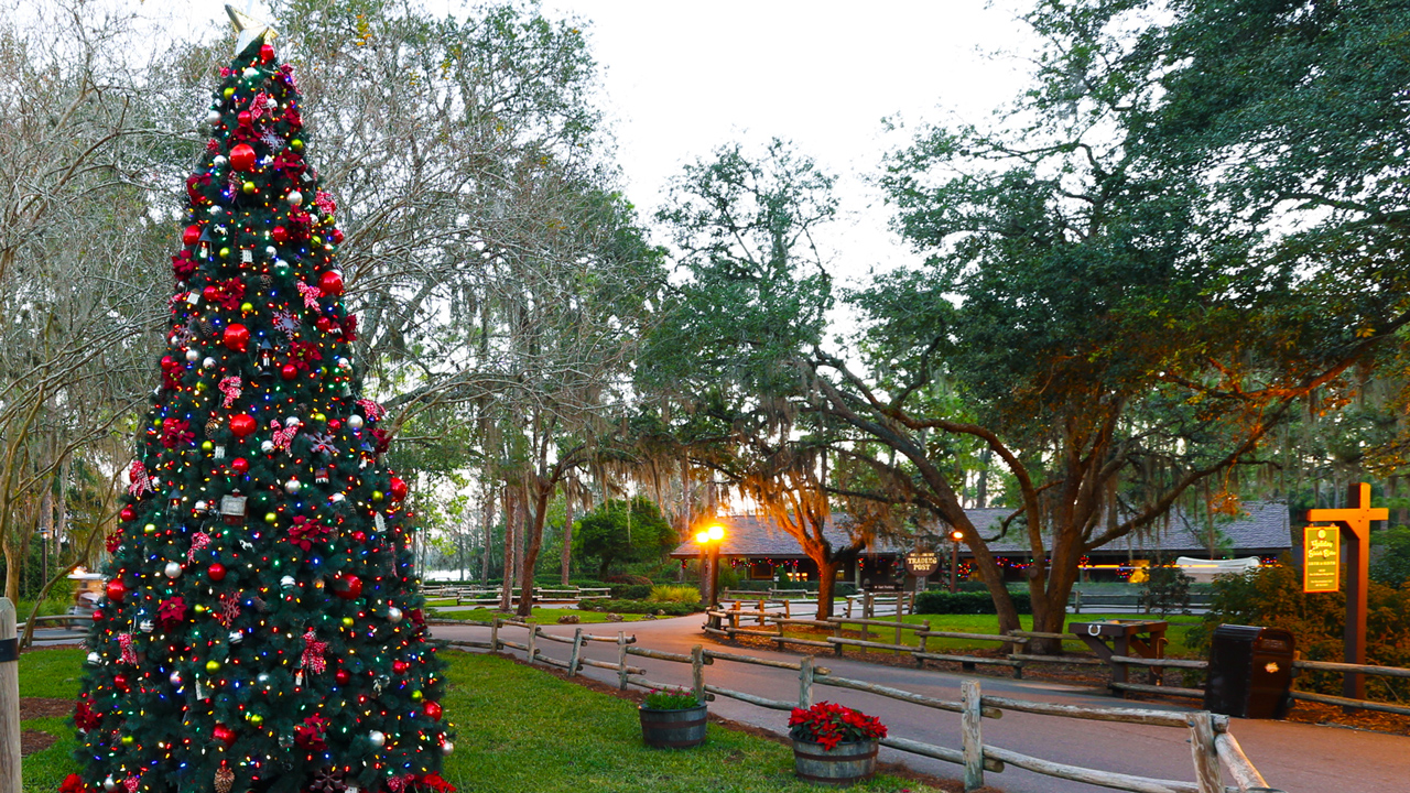 Celebrate the holidays at disney s fort wilderness resort for Disney cabins fort wilderness