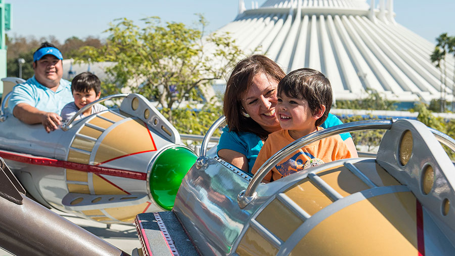 DisneyKids A Vacation Package Perfect For Your Kindermoon At Walt - Disney vacation packages 2016