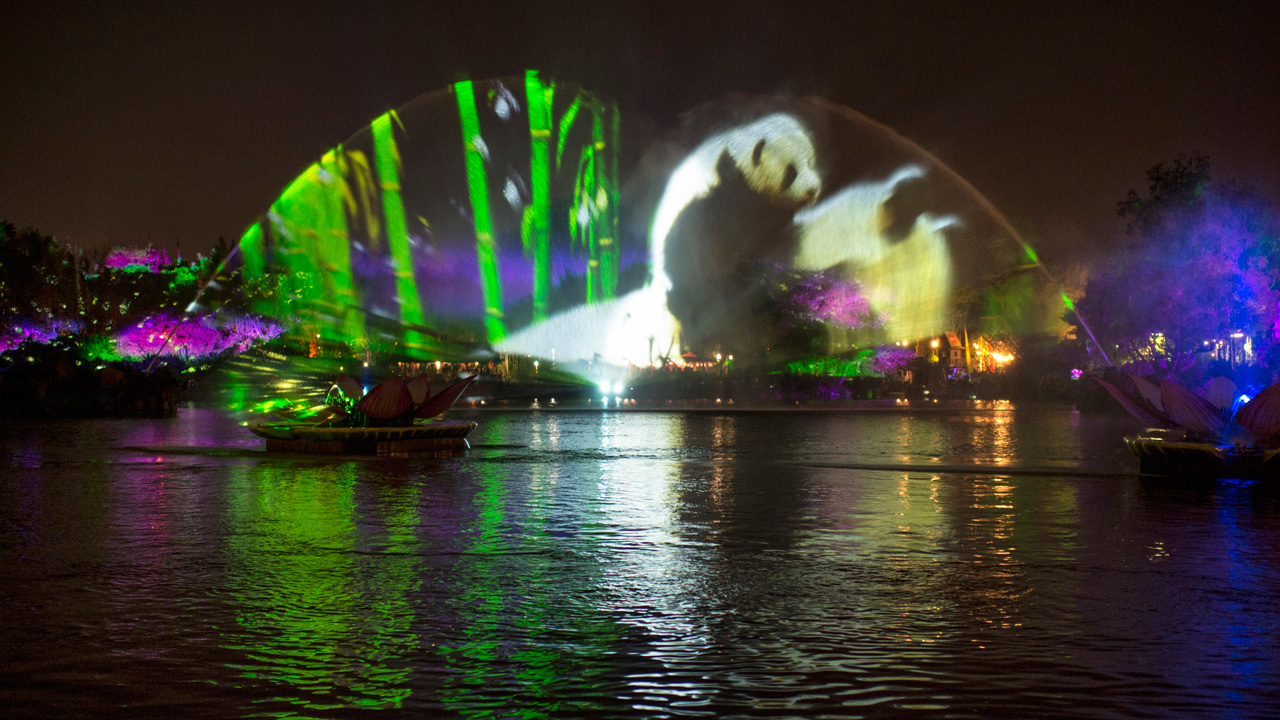 Behind-the-Scenes: Disneynature Brings Animals to Life in 'Rivers of Light'