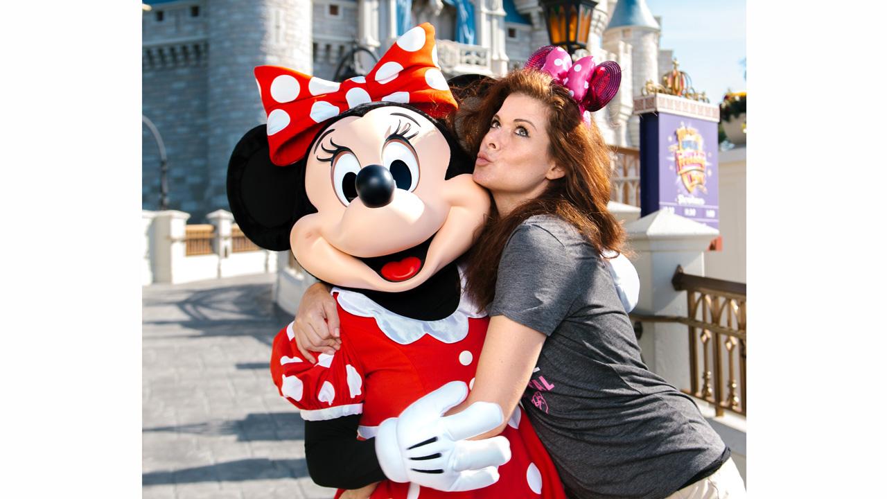 Emmy Winning Actress, Debra Messing Visits Walt Disney World Resort!