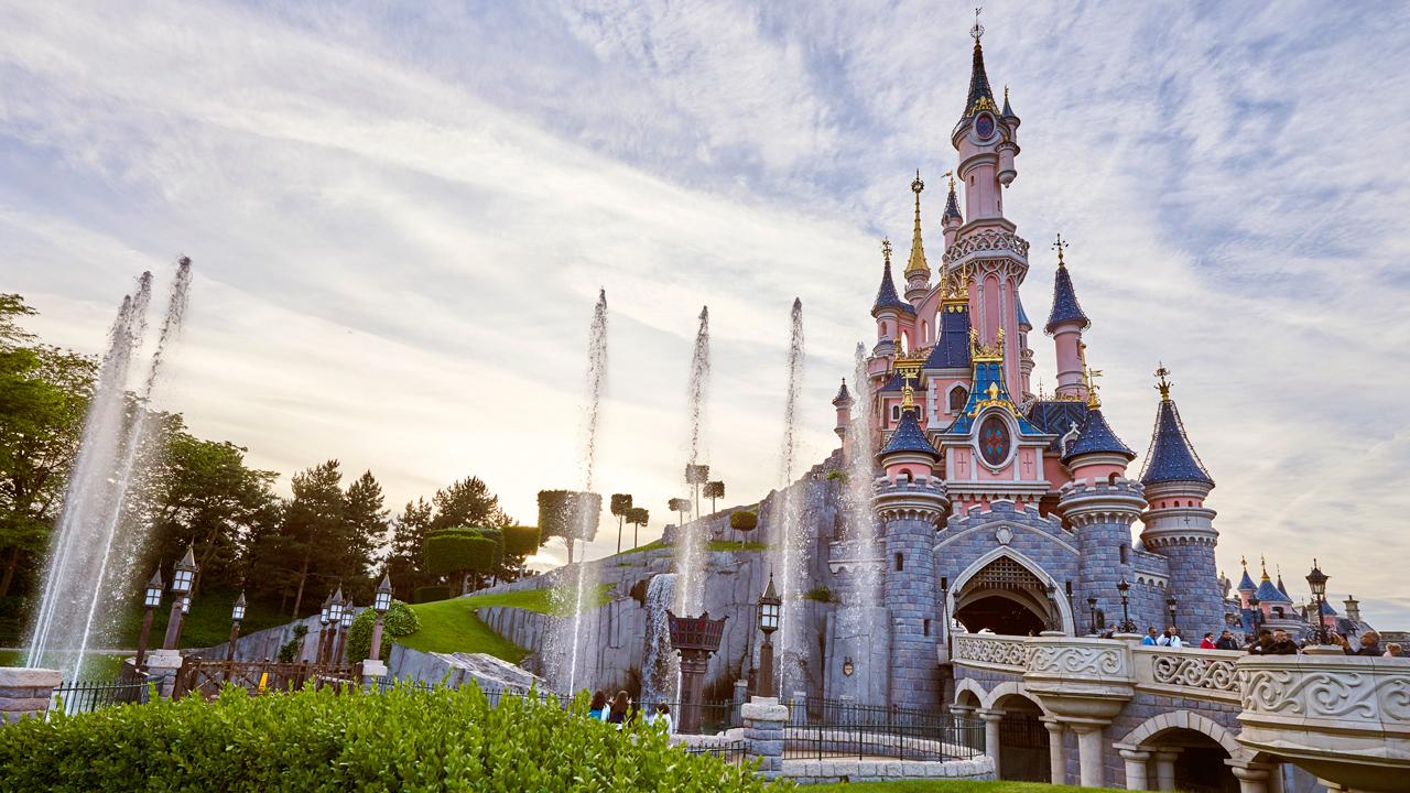 Disneyland Paris Reaches Unique Milestone On Eve of 25th ...