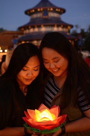 Light up your visit to the Epcot China Pavilion with a new photo prop from Disney PhotoPass Service