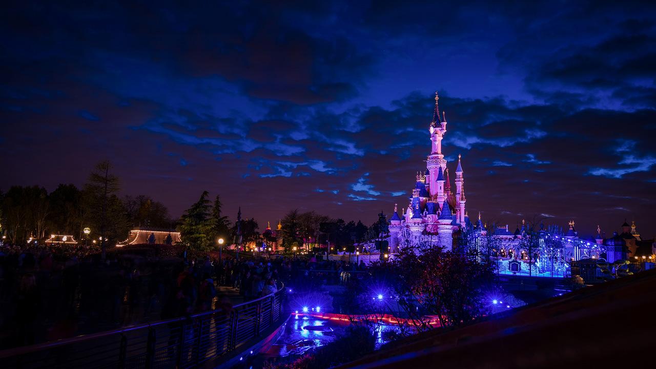 Disney Parks After Dark: Dusk at Disneyland Paris