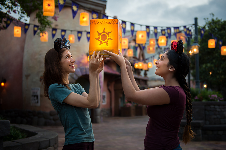 Must-Do PhotoPass Locations This Summer at Walt Disney World
