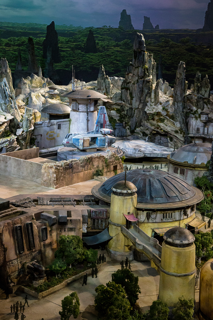 First Look: Sneak a Peek at Disney Park's Star Wars Land-Inspired Model