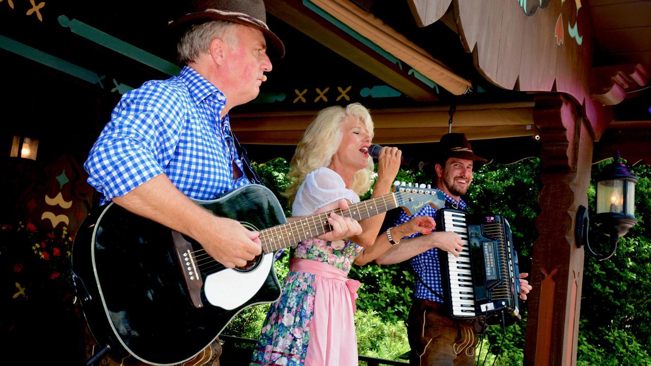 Margret Almer & The Bavarian Band