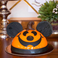 Pumpkin Mickey Character Dome Cake