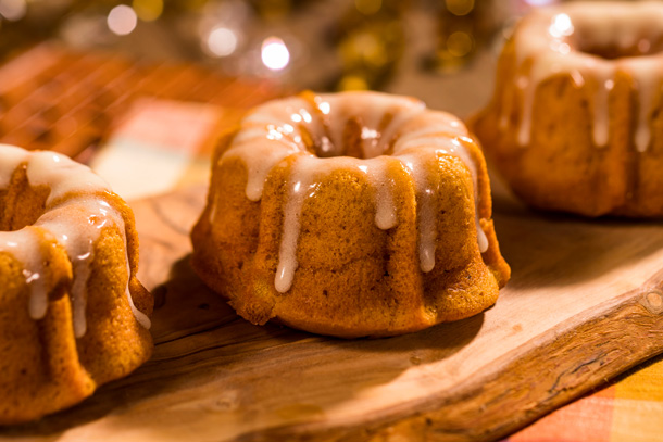 Pumpkin Bundt Cake at Sassagoula Floatworks and Food Factory at Disney's Port Orleans Resort – French Quarter