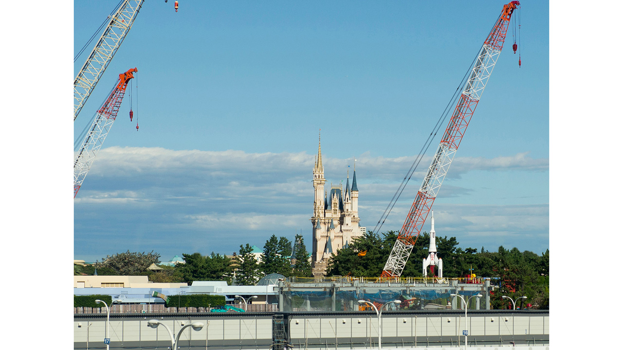 Major Construction Underway at Tokyo Disneyland