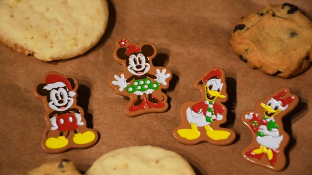 Disney Gift Card Holiday Pin Series