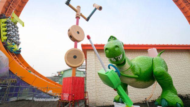 Rex & Trixie Arrive at Shanghai Disneyland