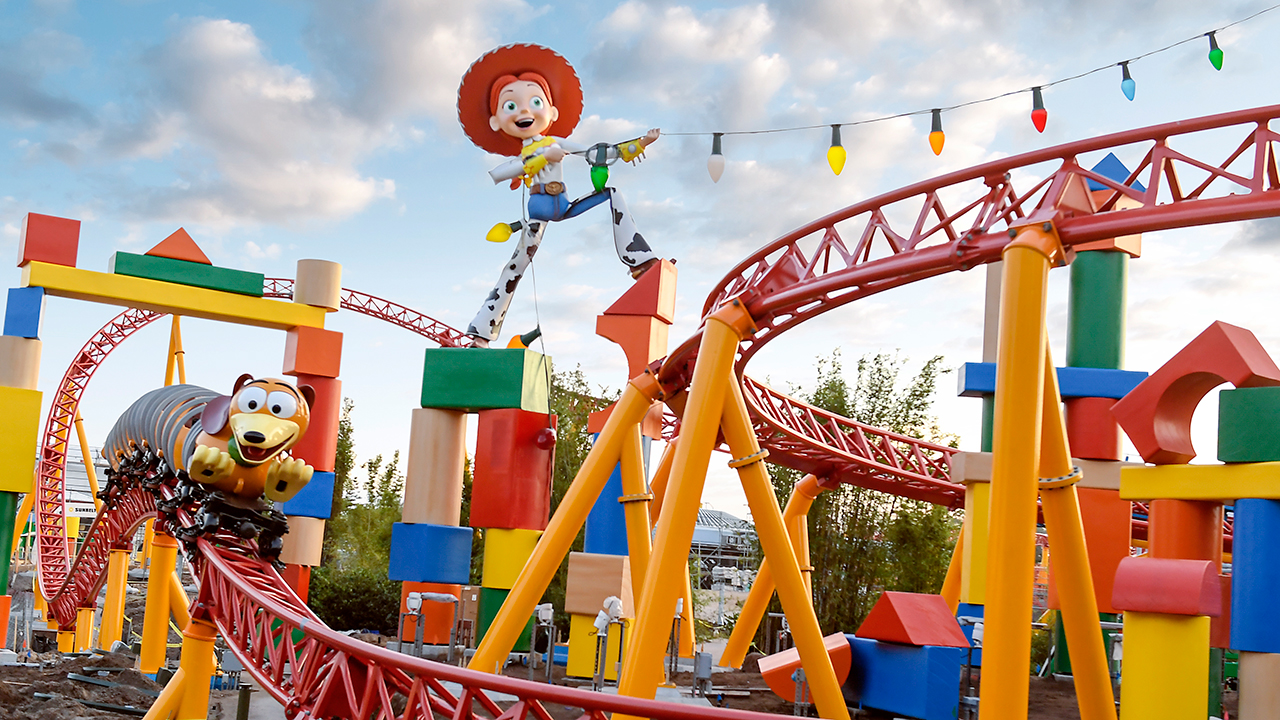 Toys For Disney : Toy story land to open at walt disney world resort june