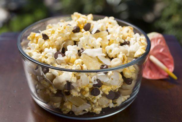 Hawaiian style popcorn mix