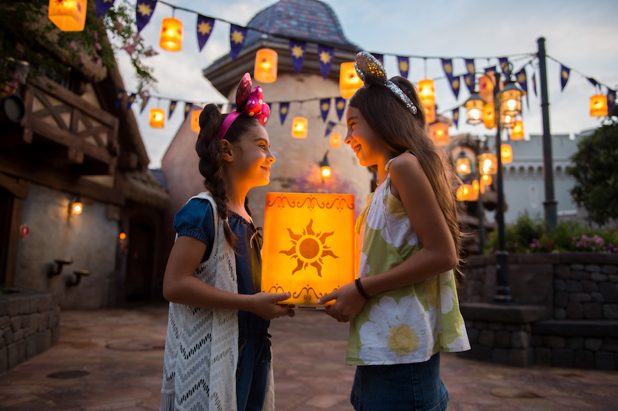 Kids with Lantern from 'Tangled