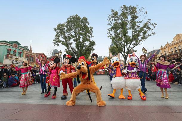 Mickey, Minnie, Pluto, Goofy, Donald and Daisy celebrate Chinese New Year at Shanghai Disney Resort