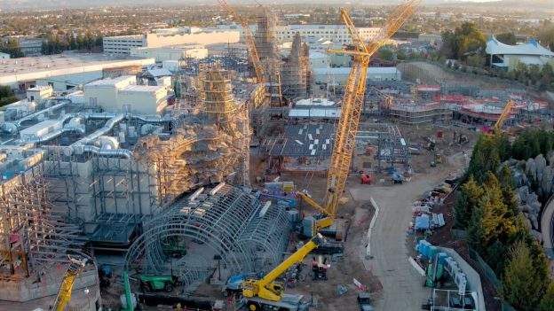 Video Flyover The Star Wars Galaxy S Edge Construction Site Disney Parks Blog