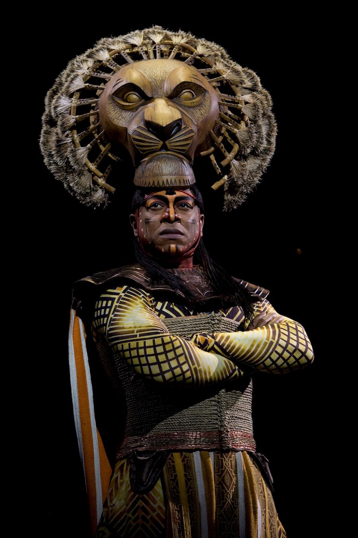 Alton Fitzgerald White as Mufasa in Disney's 'The Lion King'