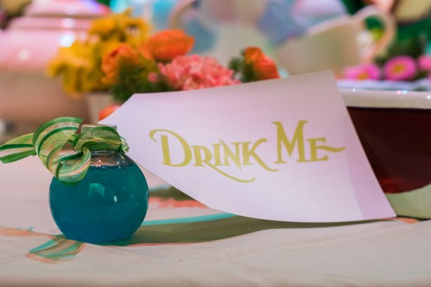 'Alice in Wonderland'-Themed Décor