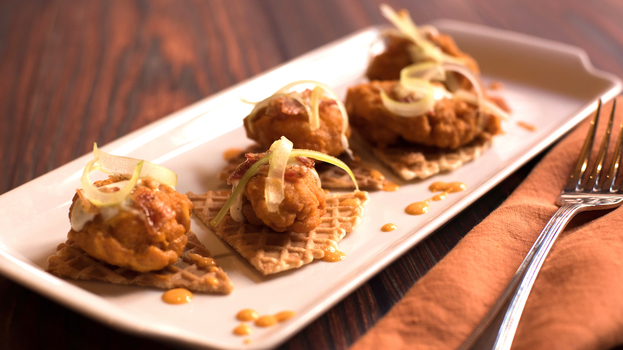 Chicken and Waffles at Scat Cat's Club at Disney's Port Orleans Resort – French Quarter