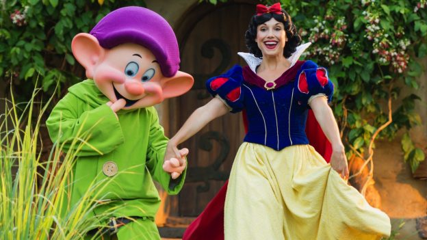 Snow White will be featured in a new character breakfast.