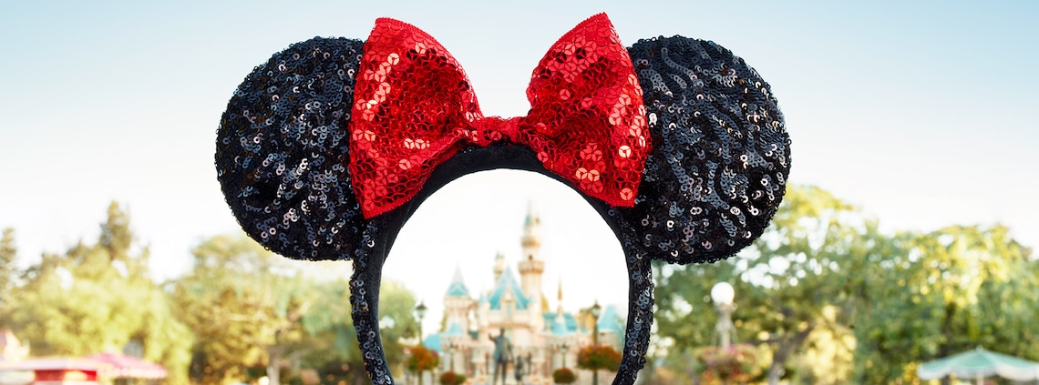 A sequin Minnie Mouse headband