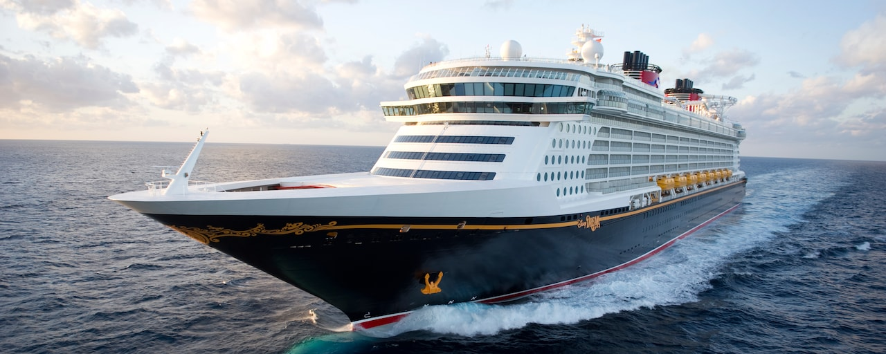 The Disney Dream ocean liner sailing the open seas