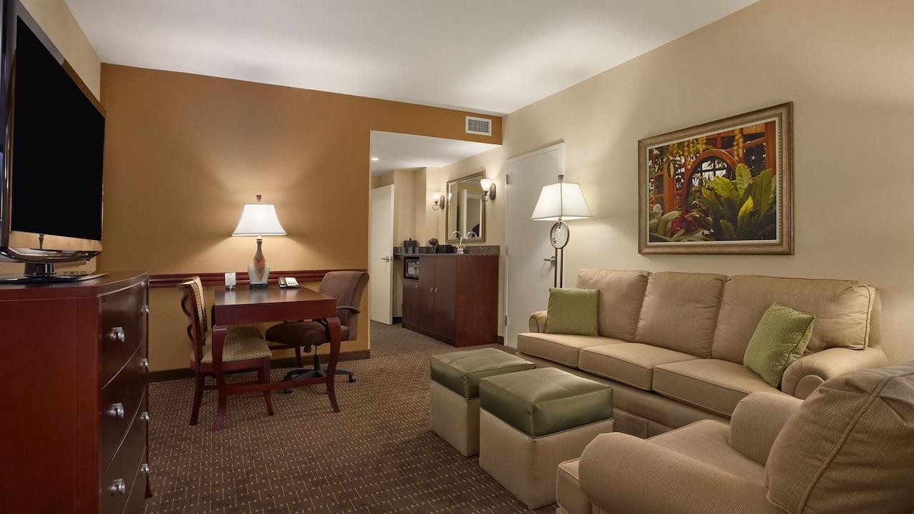 Orlando Two Bedroom Suite Embassy Suites Orlando Mdash Lake Buena Vista South