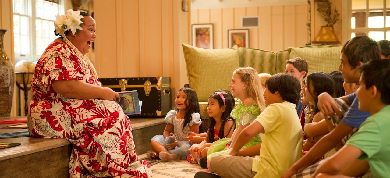 アンティーズ・ビーチ・ハウスでの子供たちへの読み聞かせ風景