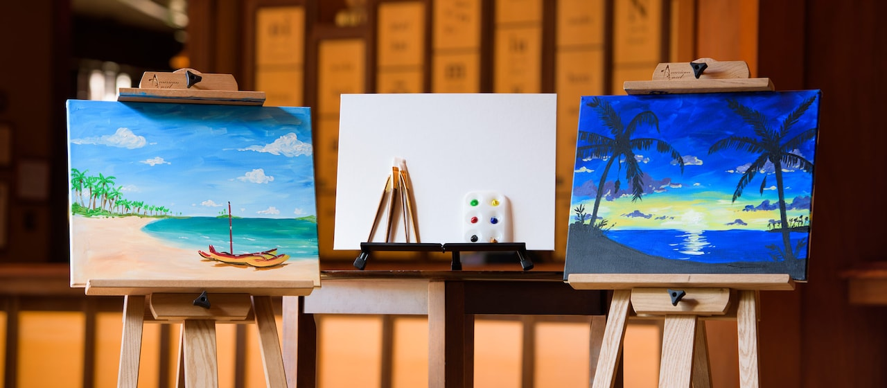 パウ・ハナ・ルームにて開催する絵画教室ではキャンバスにアウラニをテーマにし風景画を描ける