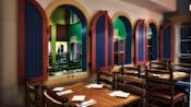 Salle à manger du restaurant Shutters à Old Port Royale au Disney's Caribbean Beach Resort