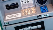 Le clavier sur un guichet automatique