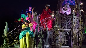 Frightfully Fun Parade at Mickey's Halloween Party