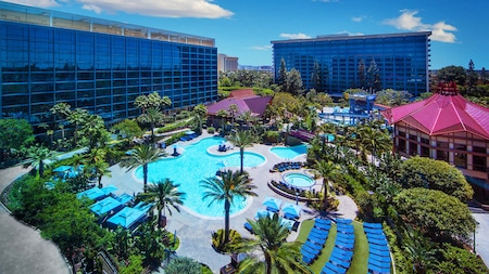 The outdoor pool area at the Disneyland Hotel