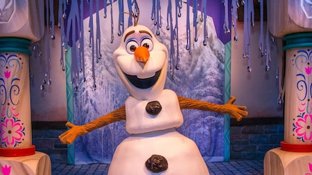 Olaf, the lovable snowman from Disney's Frozen, stands in the Celebrity Spotlight at Disney's Hollywood Studios