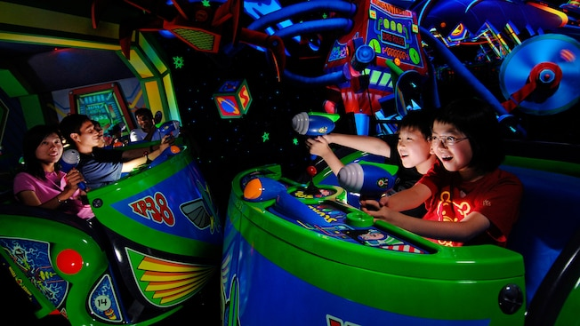Buzz Lightyear Astro Blasters Rides Amp Attractions