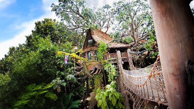 tarzans treehouse and rope bridge at disneyland park