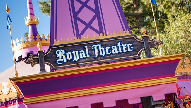 A sign that says Royal Theatre