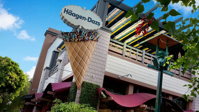 Haagen-Daze ice cream sign at Downtown Disney District