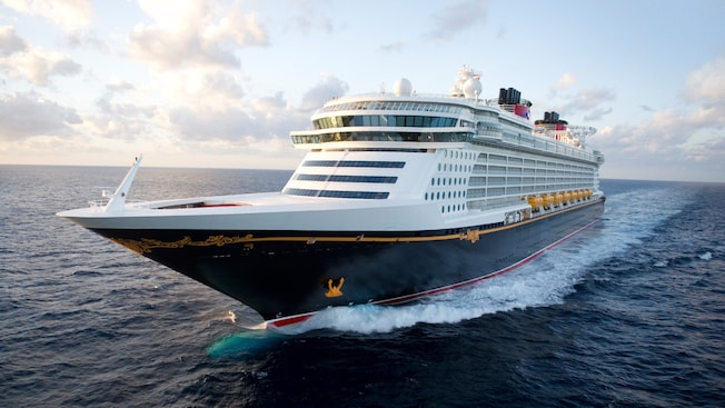 The Disney Dream ship in the middle of the ocean