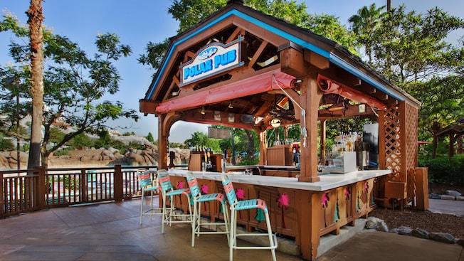 Exterior del bar Polar Pub en el parque acuático Disney's Blizzard Beach