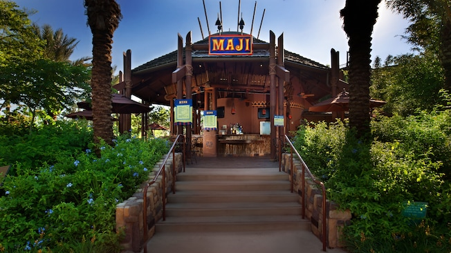 Entrada do Maji Pool Bar, de temática africana, no Disney's Animal Kingdom Villas – Kidani Village